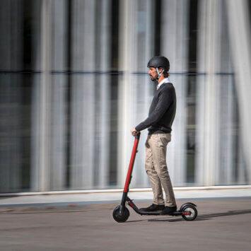 Strategia mikromobilności SEAT-a – Nowy eXS ickScooter.